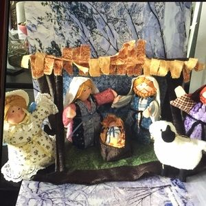 7 Piece Fabric Manger Scene